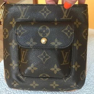 Louis Vuitton Monogram Partition Clutch Wristlet